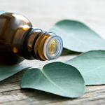 L'aromathérapie repose sur l'utilisation d'huiles essentielles.