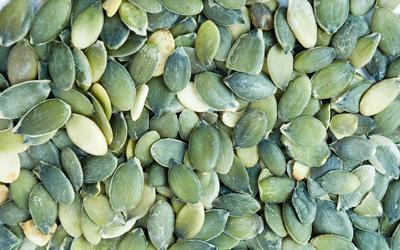 Les pépins de courge sont un remède de phytothérapie efficace contre les problèmes de prostate.
